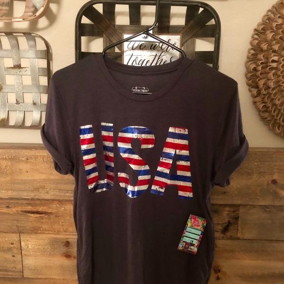 Tops - Boutique USA shirt